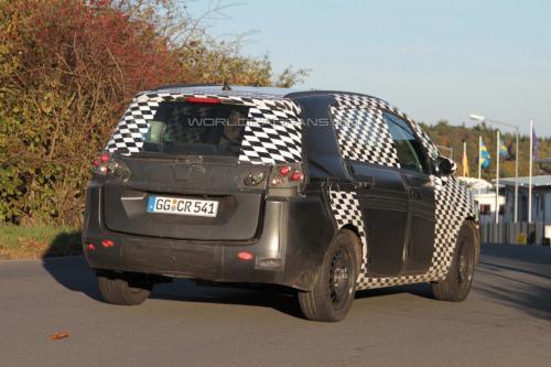 2012-Opel-Zafira-spy-shots-Behind-Rear-View