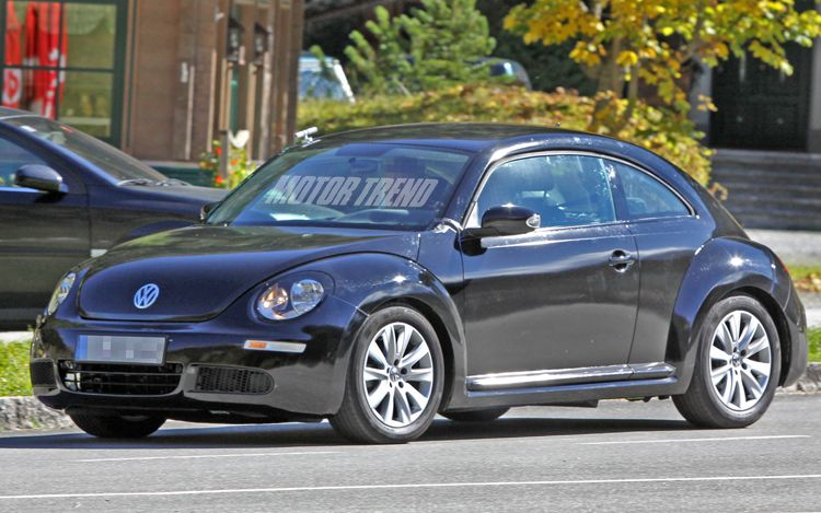2012-volkswagen-new-beetle-spied-front-three-quarter