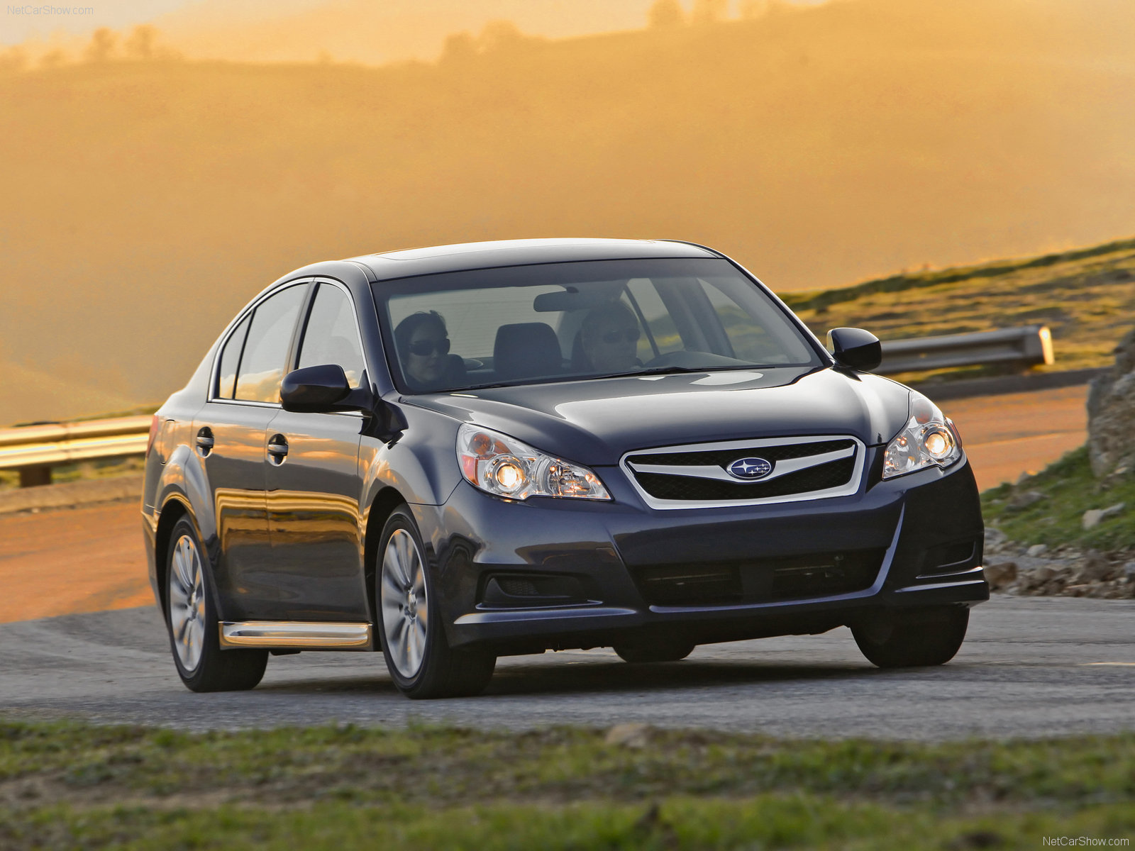 Subaru-Legacy-2010-wallpaper