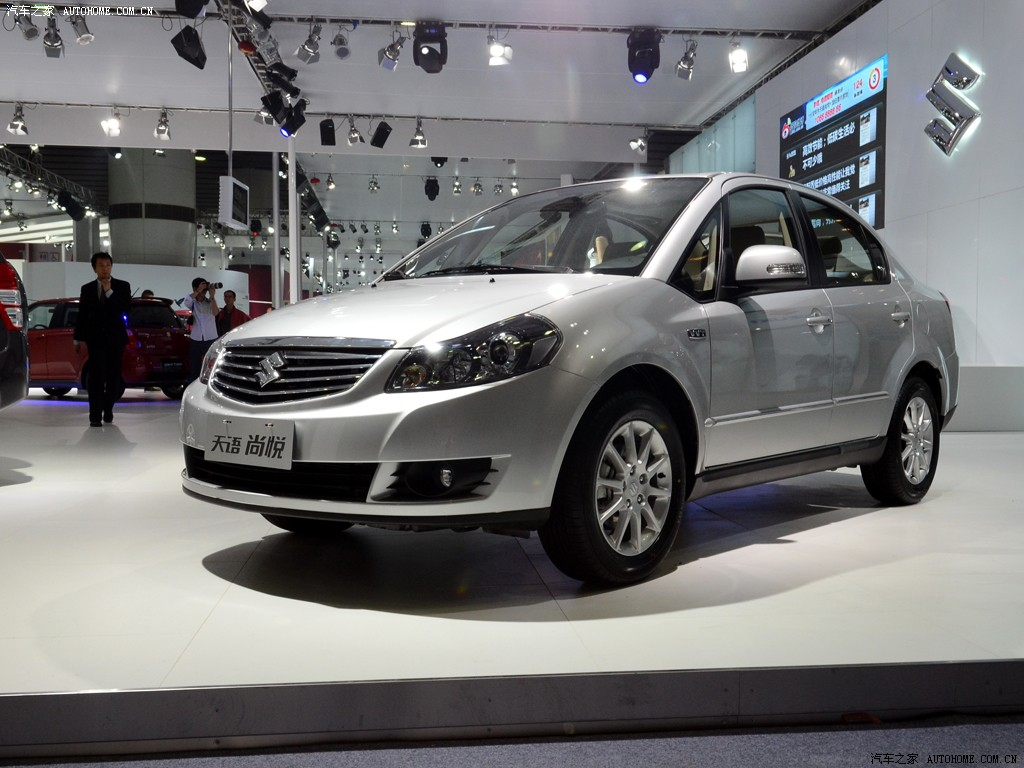 2011-Suzuki-SX4-sedan-facelift