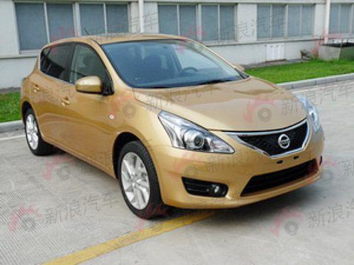 2011-2012-Nissan-Tiida