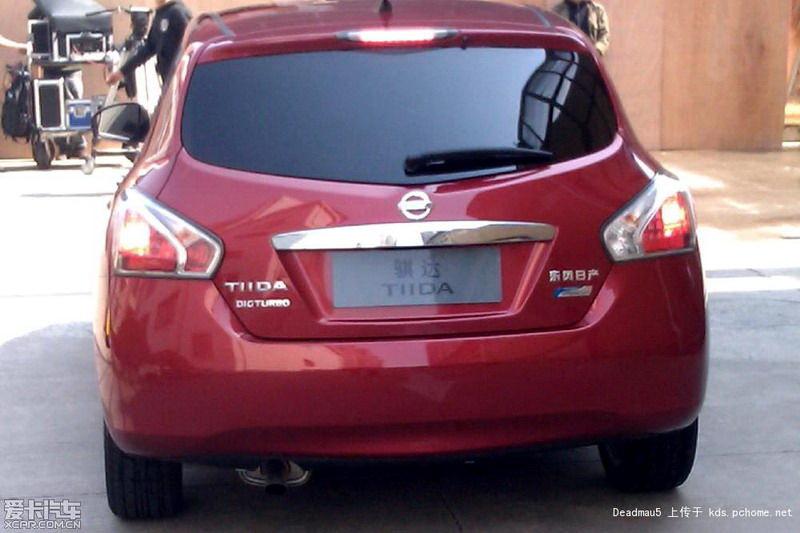 2012-Nissan-Tiida