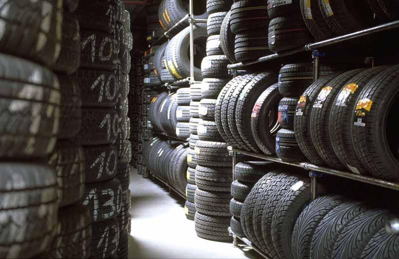 tyre_shop_camenzindevolution040907_83